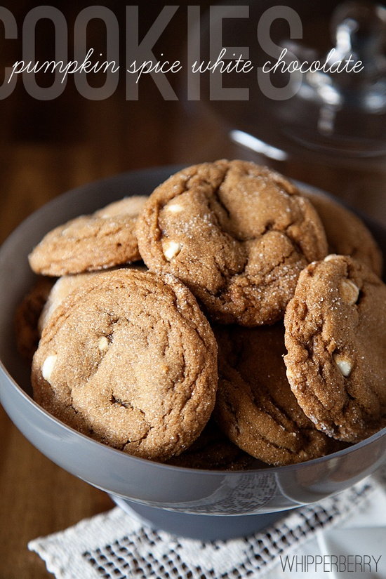 pumpkin spice white chocolate cookies...now *this* is a pumpkin-chocolate combo I can get behind!