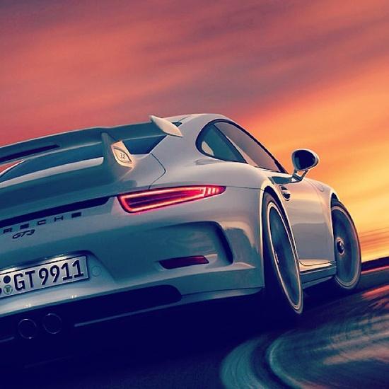 Porsche GT3 meets the sunset
