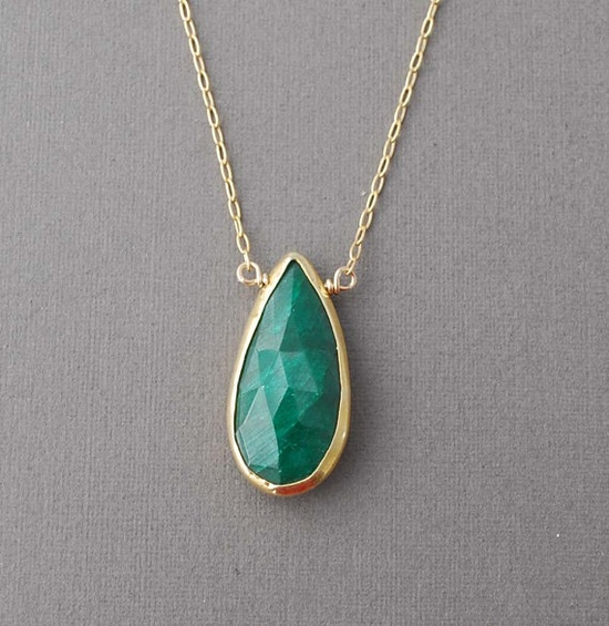 Green Emerald Stone Bezel Set Gold Necklace by jennijewel on Etsy, $46.00 >> Exquisite!