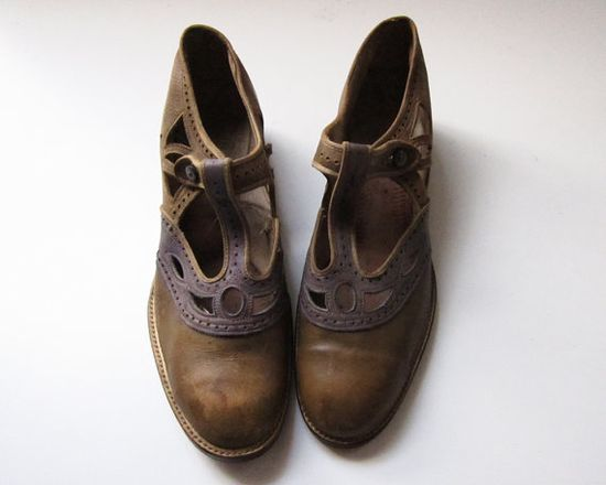 // 1920s shoes