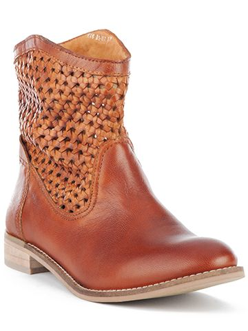 Seychelles Footwear - adorable ankle boots!