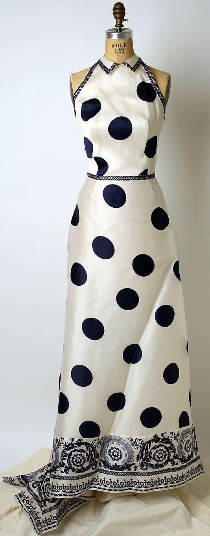 Carolina Herrera 1939 evening dress