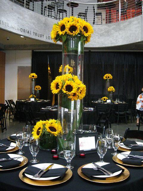large sunflower centerpiece ieas