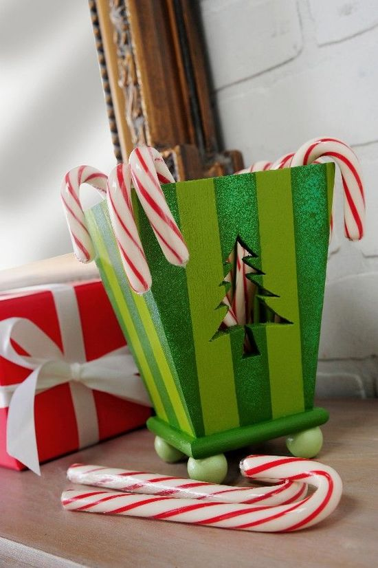 Decorate a Christmas candy cane holder - with sparkle