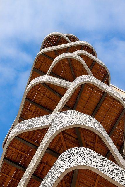 alternating balconies