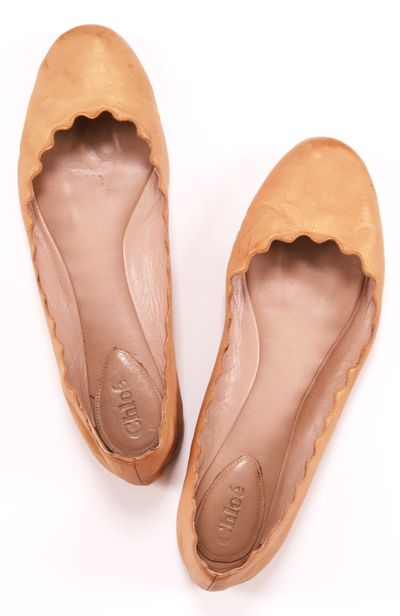 CHLOE FLATS: love the scalloped edges