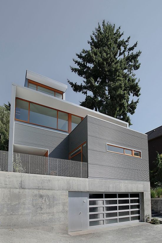 Modern House by SHED Architecture