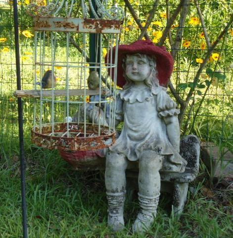 {Recycled Birdcage} Garden Decor!