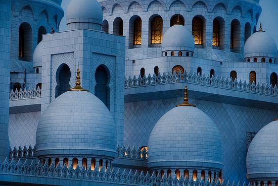 Sheikh Zayed Mosque - Abu Dhabi / United Arab Emirates