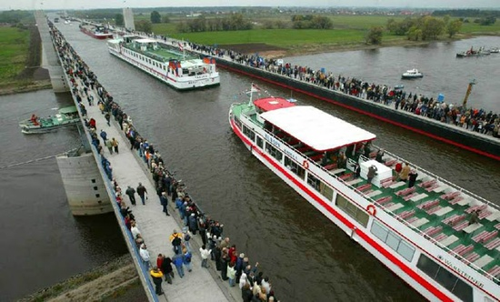 Невероятният воден мост—Магдебург, Германия