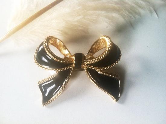 Vintage Bow Hair Clip