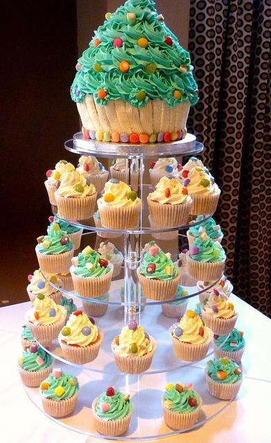 Xmas giant cupcake n cupcakes tower
