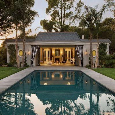 Pool & pool house - to die for !