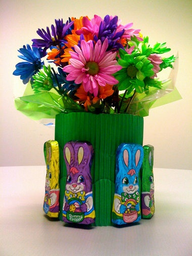 How to make a semi-edible Bunny Crisp flower arrangement for the kids table or your sweets buffet this Sunday. -- tutorial
