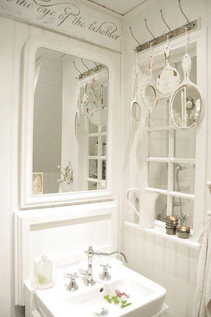 .love this bathroom