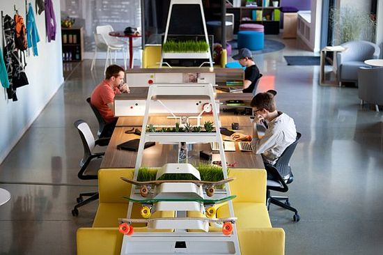 Modular and flexible Turnstone Bivi office furniture