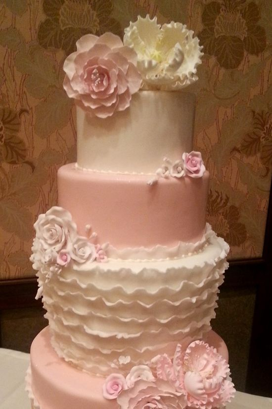 Wedding Cake Wednesday: Pink Ruffles #Disney #wedding #cake #WeddingCakeWednesday #ruffles #pink