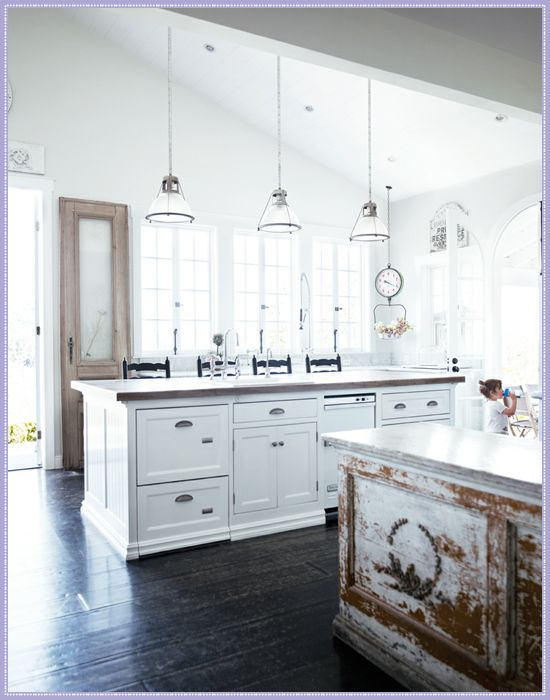 French Scandinavian White Decor. White on dark, yum