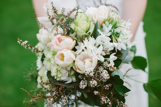 This #bouquet is so beautifully natural with its soft pastel colors and organic arrangements! From ruffledblog.com/...  Flowers by clementineposy.bl... Photo Credit: serendipitycorner...