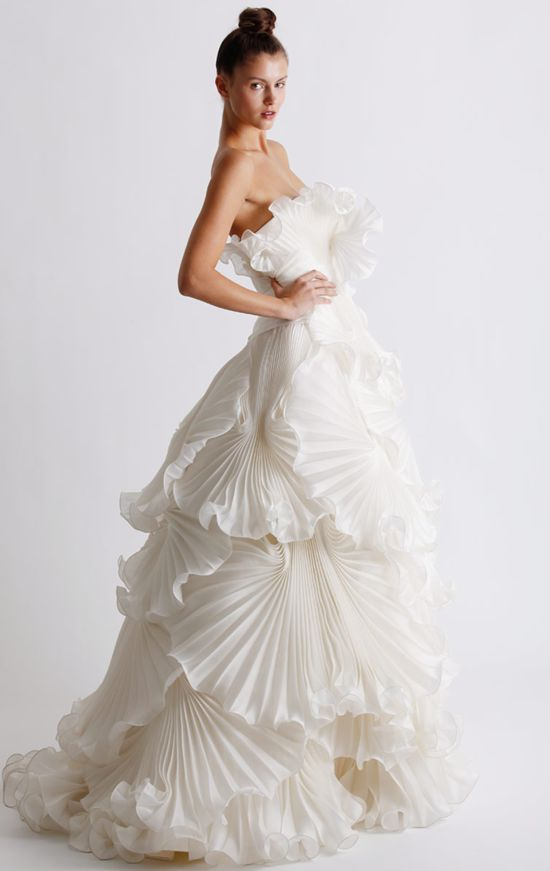 Marchesa 2011 Wedding Dress Collection : this is gorgeous!