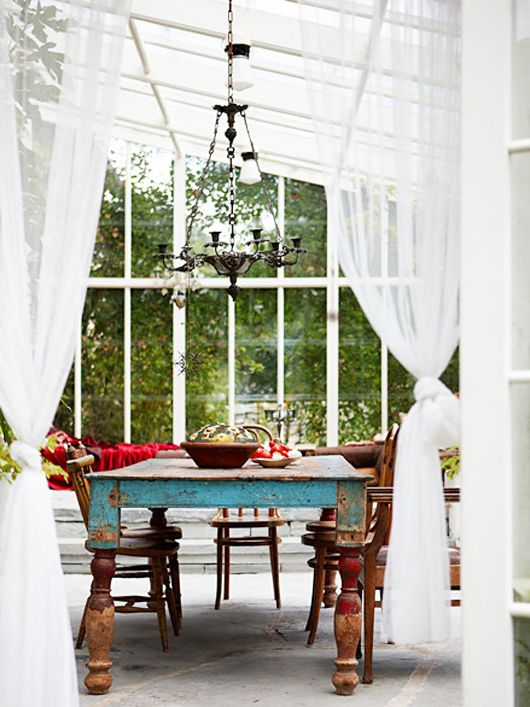blue-dining-table