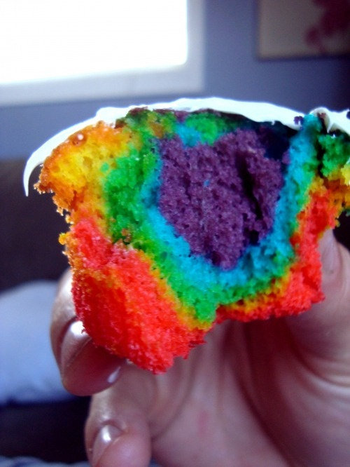 Tie-dye Cupcakes- too perfect!
