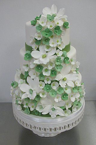 Orchids and hydrangeas, Wedding cake