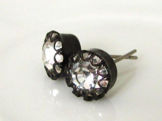 Vintage Glass Rhinestone Gun Metal Stud Earrings