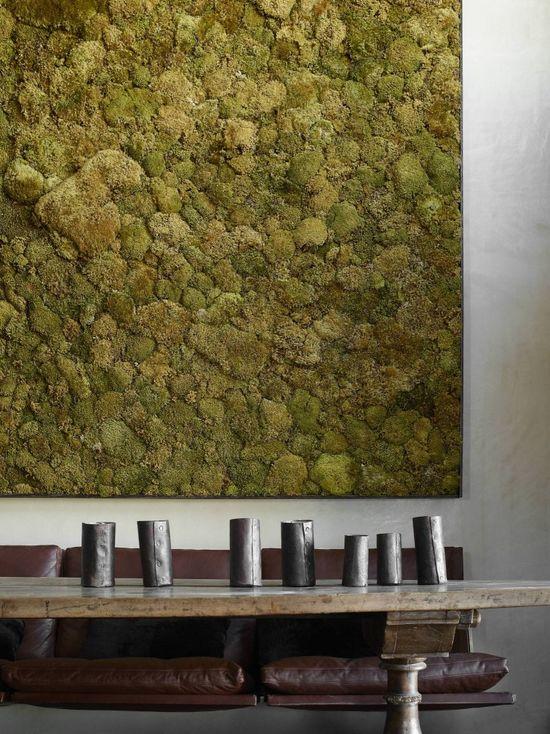 ? Rustic interior design with living moss wall deco La Muna / Oppenheim Architecture + Design