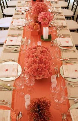 Beautiful coral wedding tables #peach #coral #wedding