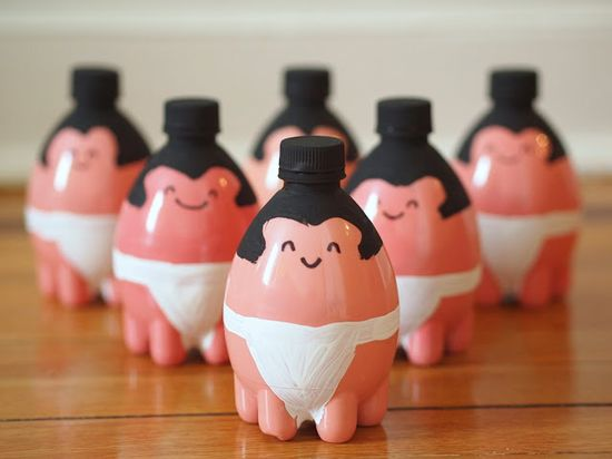 DIY: Sumo wrestler plastic bottle bowling pins. Love these!