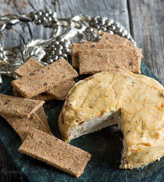 Roasted Garlic & Sun Dried Tomato Cheese (high raw, vegan)