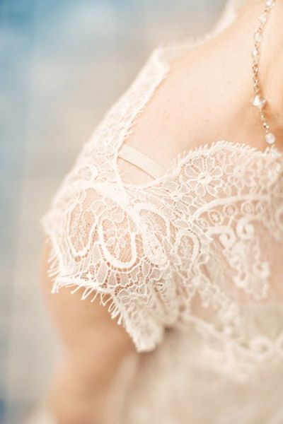 delicate lace sleeve of #wedding dress