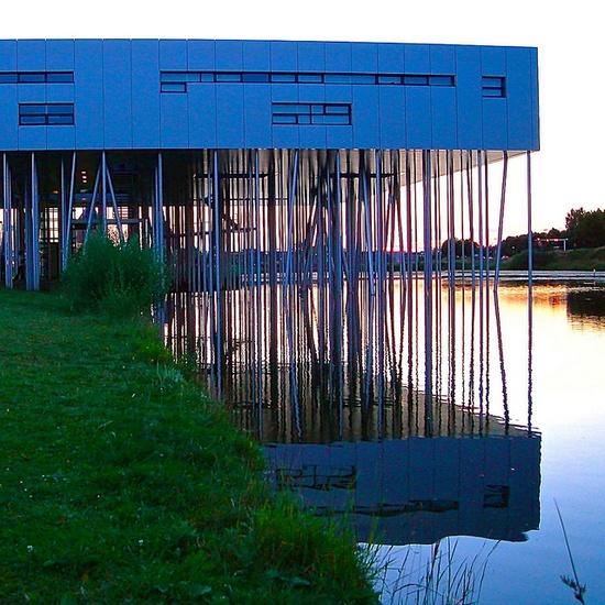 Aluminium Centrum, Houten, The Netherlands by Ken Lee 2010, via Flickr