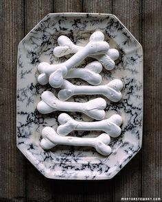 Meringue Skeleton Bones #halloween #recipes Delicious! Can't wait to try this =)   Loving working from home I can afford to do these things!!   Visit: SuccessfulMother.ws