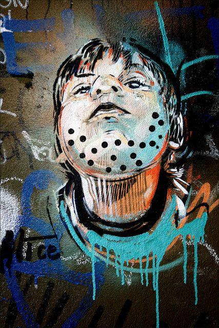 ?? Streetart Kreuzberg  Artist: Alice, Berlin (2013)             5              Prev Next  Artist: Alice, Berlin, 2013