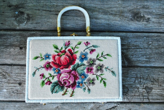 Vintage 50/60s Floral Needlepoint Wicker Purse.