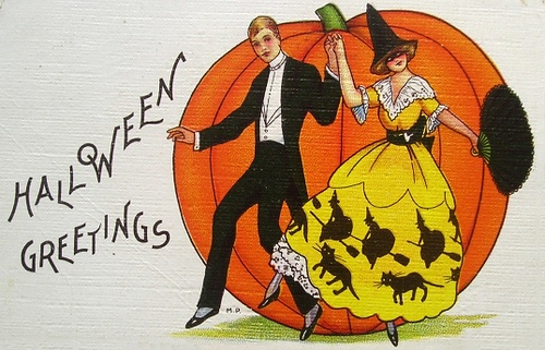 Vintage Halloween Greetings to one and all! (Love her witch and black cat print skirt!) #vintage #Halloween #card #Edwardian