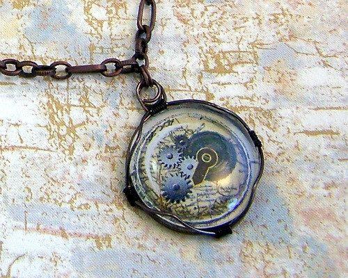 Gear Pendant - Steampunk jewelry