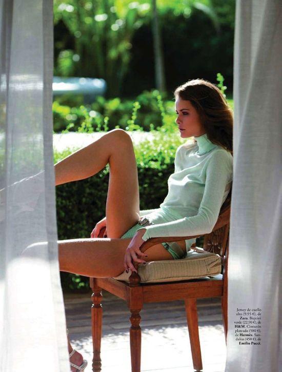 ELLE Spain - Flavia de Oliveira