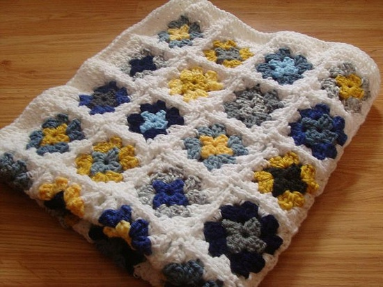 Nice Granny Square Crochet Blanket. No pattern but I like the colors.