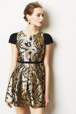 Love this black + gold dress! Perfect for the holidays!