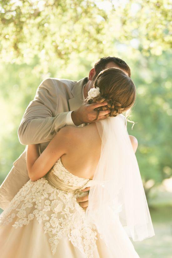 Such a romantic embrace. ?