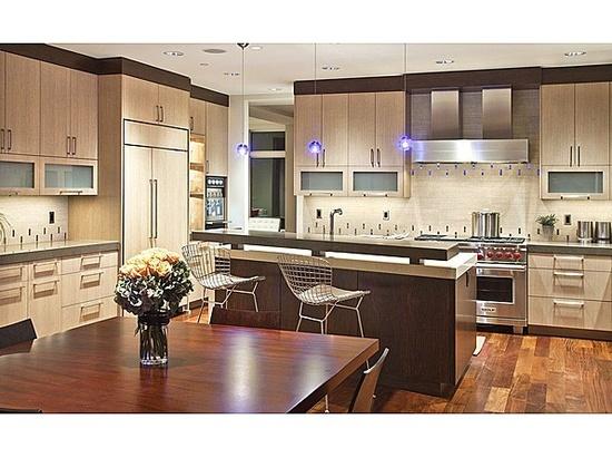 Modern, yet comfortable. #kitchen