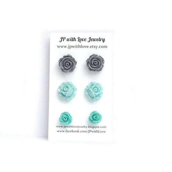 Flower Stud earrings #mint #cybermonday $18.00