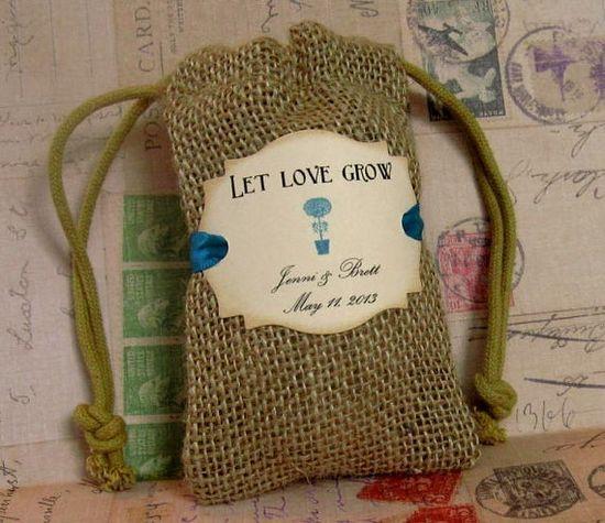 Persoanlized burlap wedding favor bag
