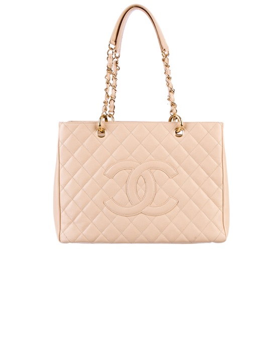 Tote chic: Chanel Grand Shopping Bag. ***cg