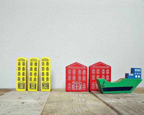 VINTAGE 1970 kids toy wooden blocks wooden city por PICCOLINAVIGLI