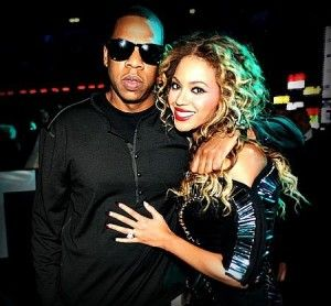 5 Famous Celebrity Couples Who People Adore