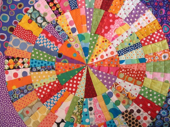 Circle Quilt done in dot fabrics